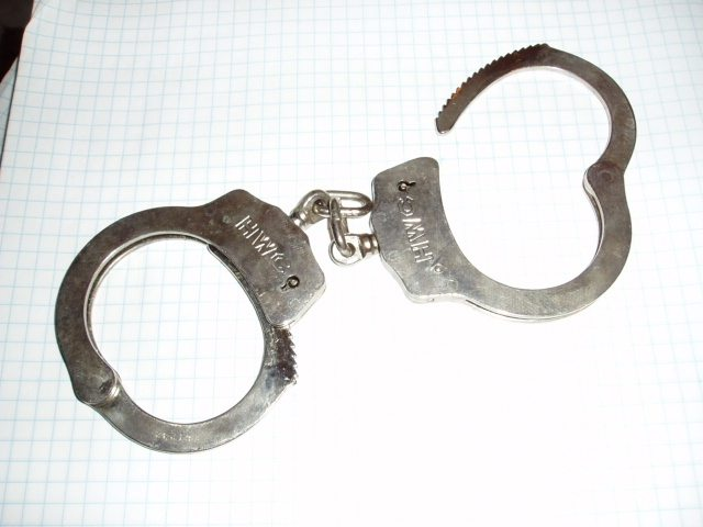 handcuffs-1